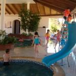 Piscina para niños en Pueblo Suizo, Uruguay