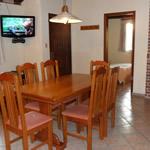 Comedor en bungalows Pueblo Suizo