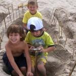 Niños jugando en Pueblo Suizo
